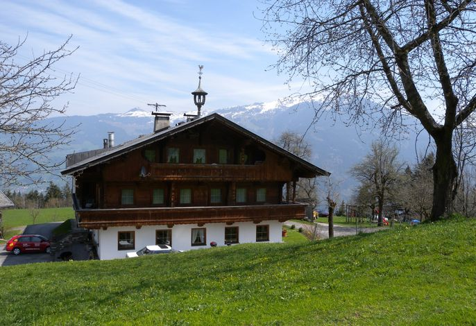 Ferienwohnung mit Blick auf die Zillertaler Bergwelt