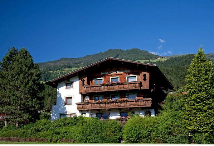 Ferienwohnung mit Balkon und Gartennutzung