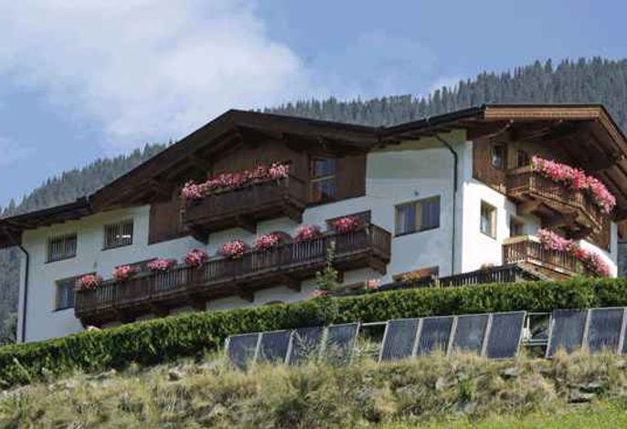 Ferienwohnung in ruhiger Lage mitten der Zillertaler Bergwelt