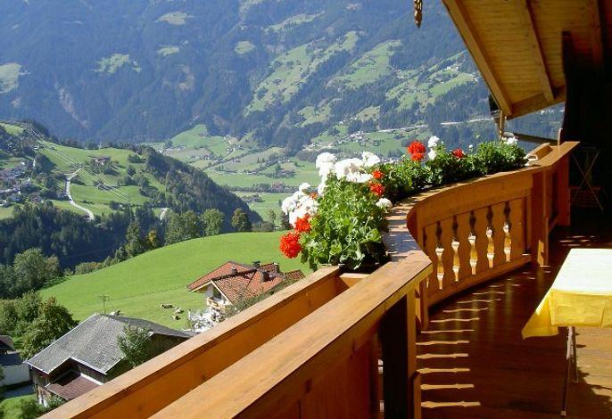 Ferienwohnung mit Panoramablick auf das Zillertal