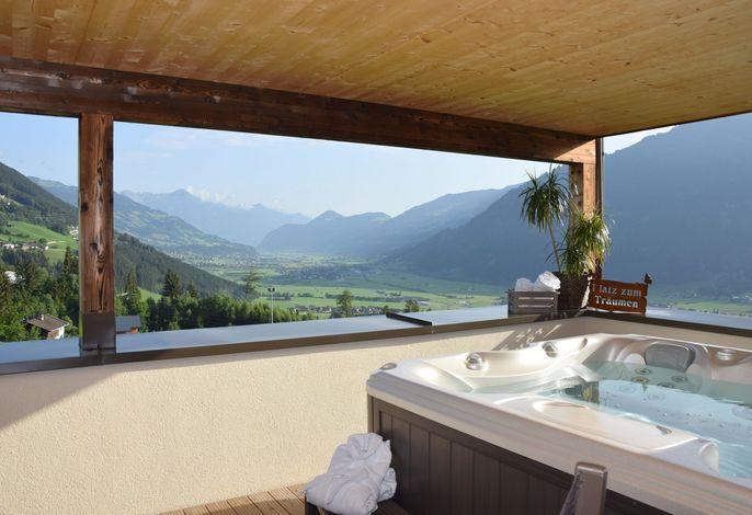 Ferienwohnung mit Outdoor-Whirlpool direkt an der Piste