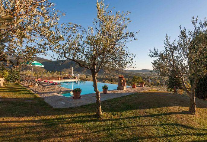 Villa con piscina ed aria condizionata