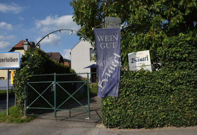 Eingang Weingut Bäuerl