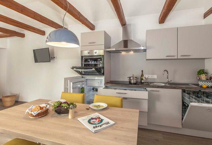 Esstisch und Küchenzeile Moritzburg