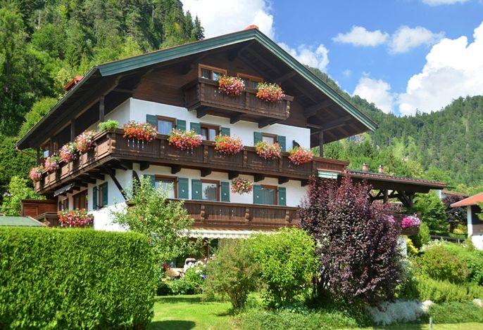 Haus Alpenblick im Sommer