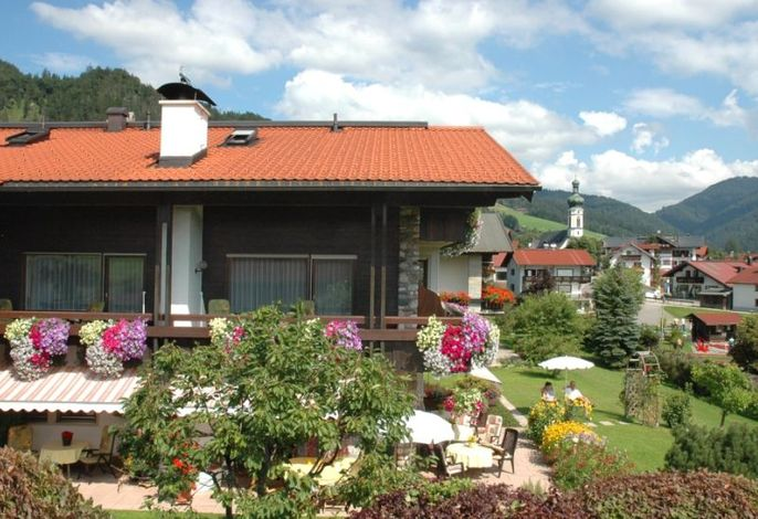 Gästehaus Speicher mit Blick richtung Dorf.jpg