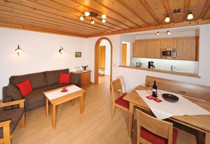 Wohnbereich.mit Essecke.jpg
