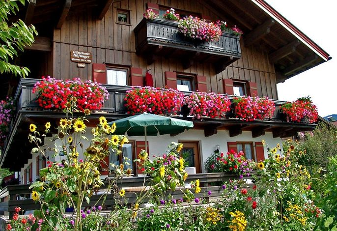 Sommeransicht vom Gästehaus Höflinger
