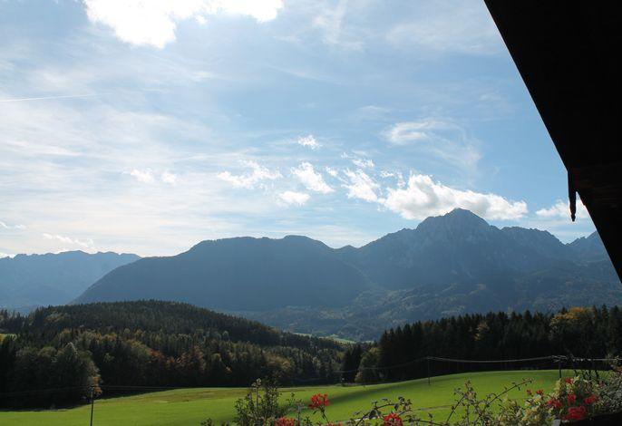 Die Aussicht vom Balkon lässt Sie ein unglaubliches Bergpanorama genießen!