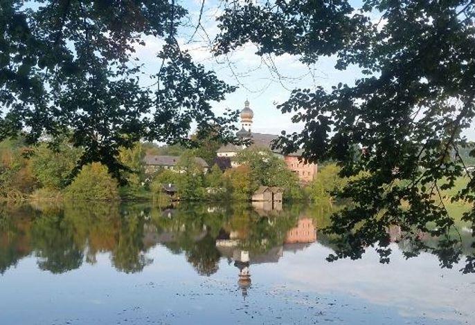 Am nahe gelegenen Höglwörther See kann im Sommer gebadet und ganzjährig wunderbar gewandert werden!