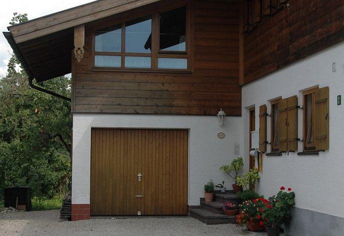 Eingang -Adersberger Josef-
