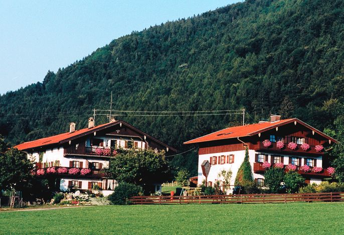 Koyerbauer_links Haupthaus_rechts Nebenhaus