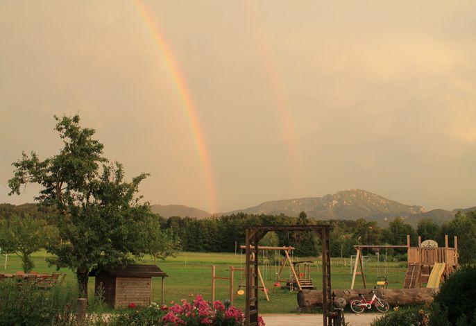 Regenbogen am Stefanutti-Hof