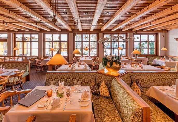 Yachthotel Chiemsee Restaurant Seeblick.jpg