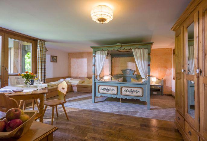 Familienzimmer mit Himmelbett