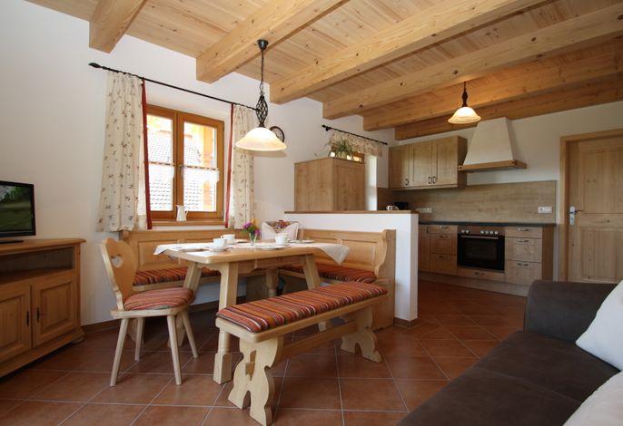 Küche mit Wohnbereich.jpg