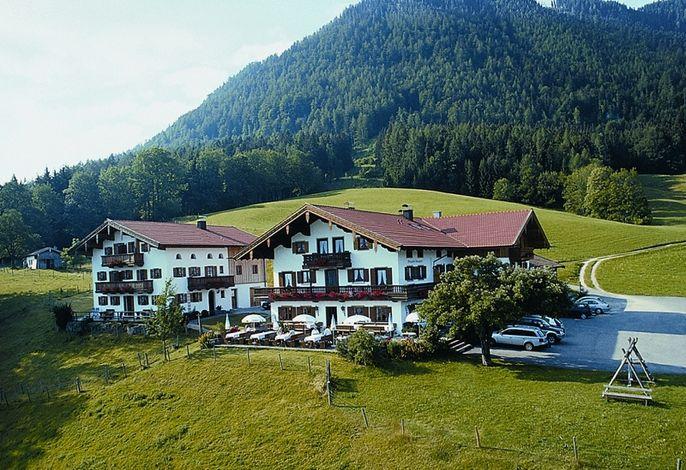Der Gasthof liegt ruhig in traumhafter Natur mit Panoramablick