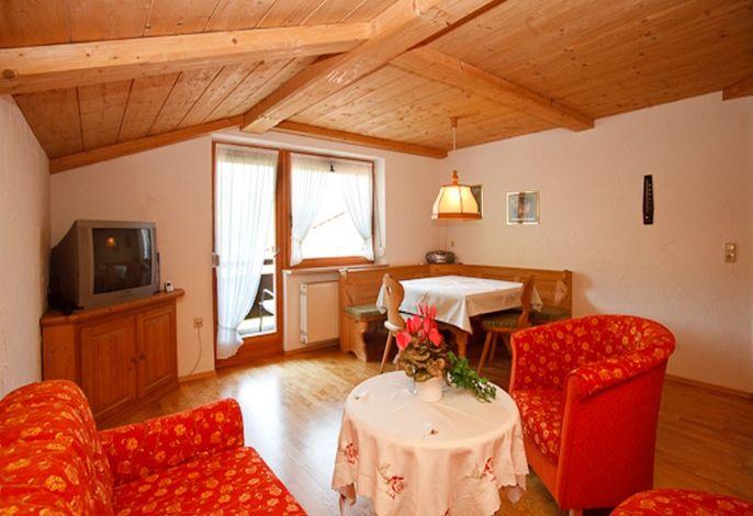 Wohnzimmer der Wohnung 3 im Obergeschoss