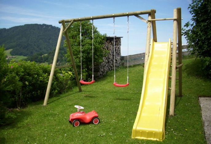 hauseigener Spielplatz für unsere kleinen Gäste