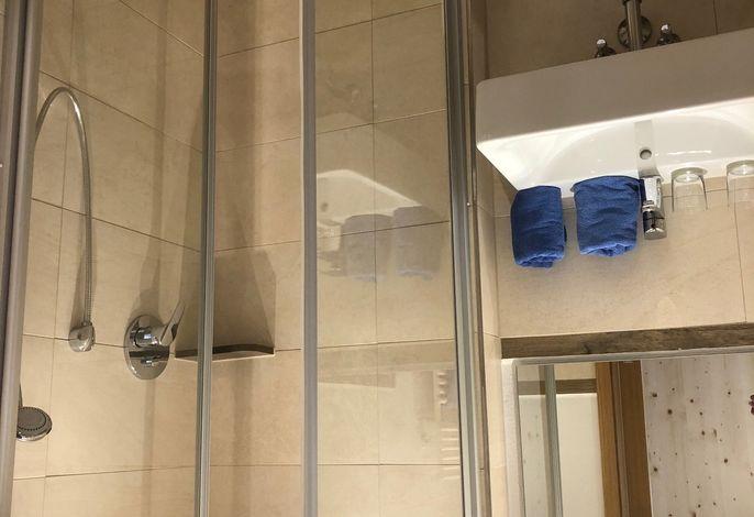 Beispiel Dusche/WC im Doppelzimmer