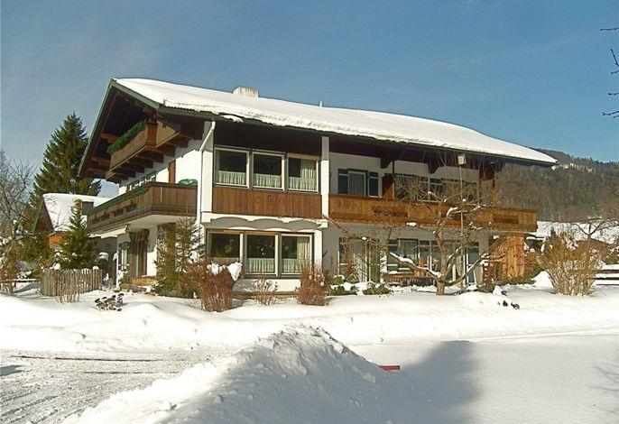 Haus in der prachtvollen Ruhpoldinger Winterlandschaft