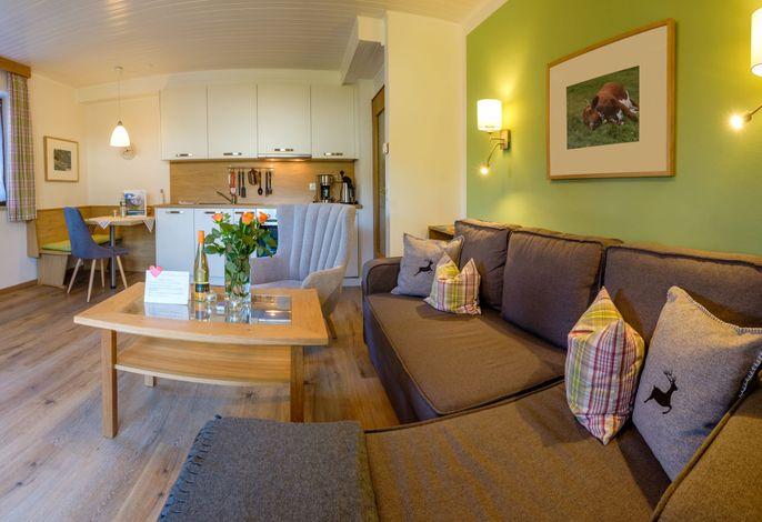 Wohnzimmer mit Küche Ferienwohnung Jennerblick Nr.1