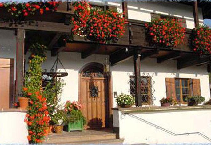 Eingangsbereich mit Blumen.jpg