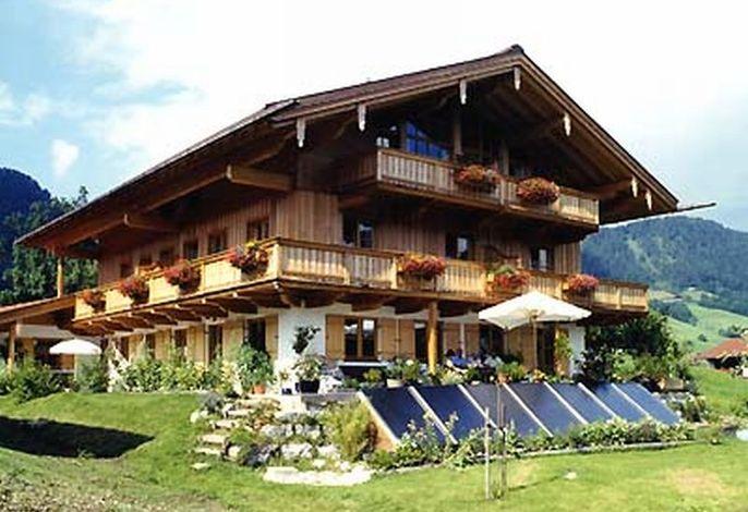 Haus Lofertal zur Sommerzeit.jpg