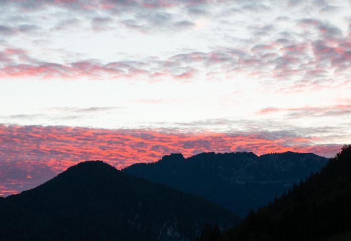 Ausblick vom Balkon - Untersberg im Sonnenuntergang