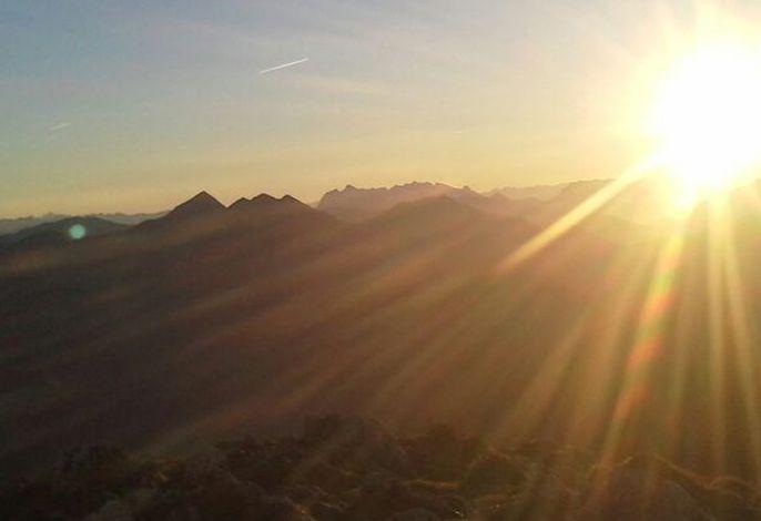 Herrliche Sonnenaufgänge mit Bergblick genießen Sie am Unterenglhängerhof
