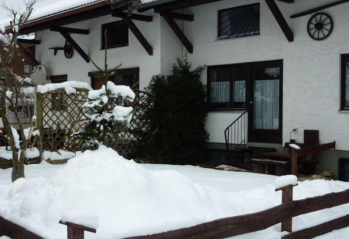 Doppelhaushälfte im Winter im Winter