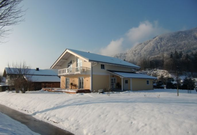 Haus Schmid im Winter