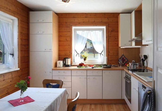 Küche mit Essecke, Spülmaschine, ...