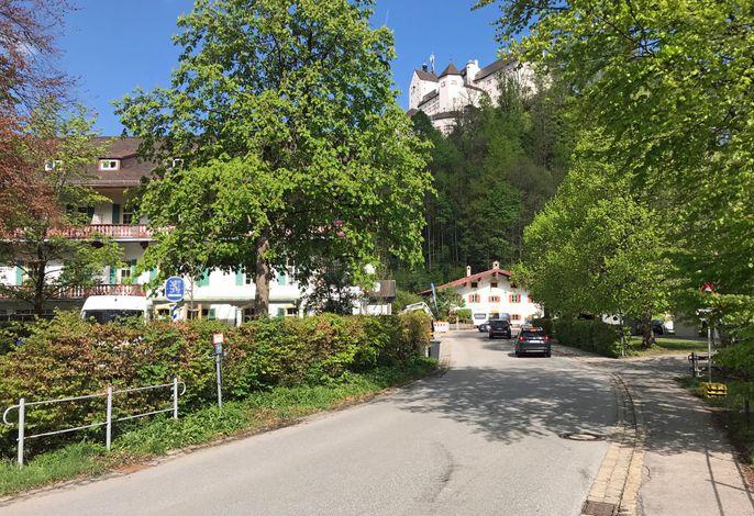 Haus Burg mit Schloss Hohenaschau