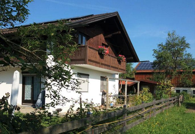 Hausbild mit Ferienwohnungsbalkon