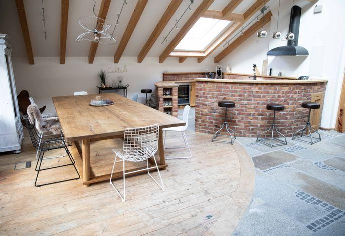 Wohnbereich mit offner Küche