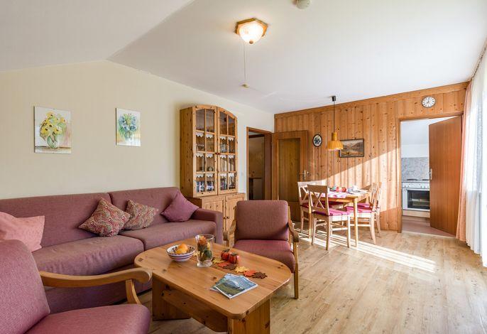 Wohn- und Essbereich in der Ferienwohnung Nr. A8