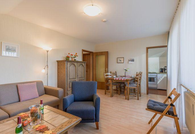 Wohn- und Essbereich in der Ferienwohnung Nr. F8