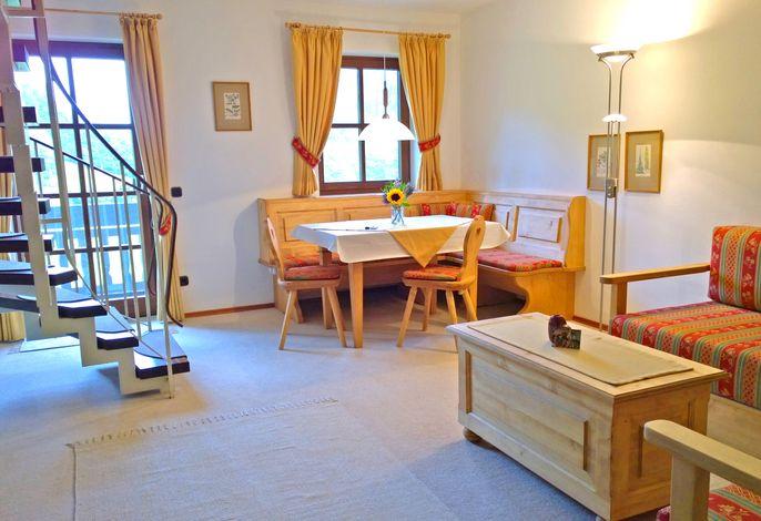 Wohnraum mit Ost-Balkon
