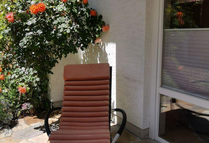 Liegestuhl auf der Terrasse