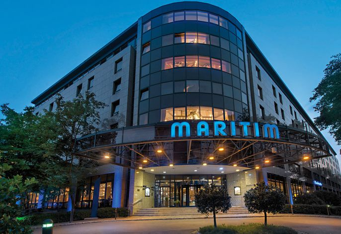 Maritim Hotel & Congress Centrum Bremen - Außenansicht bei Nacht