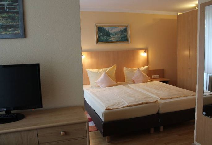 Hotel-Pension Brigitte, (Bad Krozingen), LHS01220