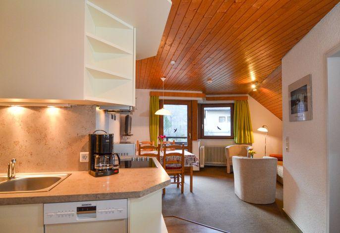 Wohnraum mit Essbereich und Küche (Beispielbild)