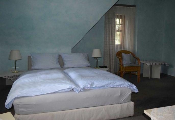Hotel-Restaurant Ochsen, (Haslach im Kinzigtal), LHS02082_B