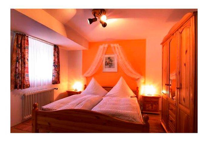 Gasthaus Zur Linde Ferienwohnungen & Bauernhof, (Oberharmersbach), LHS01700