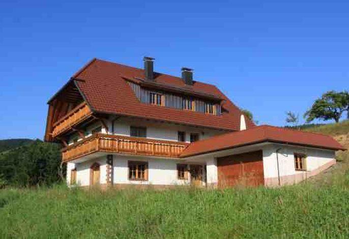 Haus mit Ferienwohnungen_1.jpg