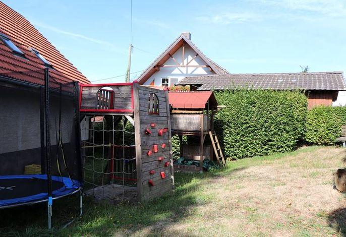 Adambauernhof-Spielplatz.jpg