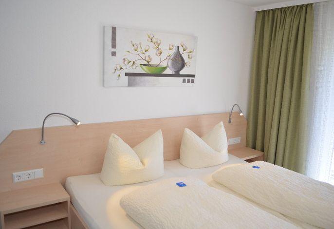 Gästehaus und Ferienwohnungen Kunkelmann, (Höchenschwand), LHS01758
