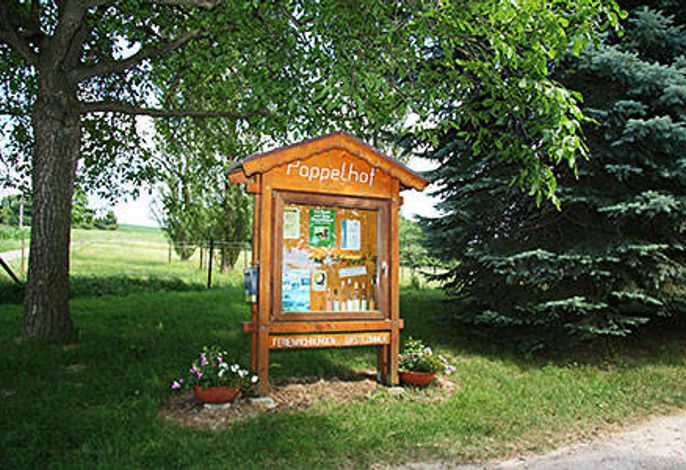 Informationstafel Hofeinfahrt