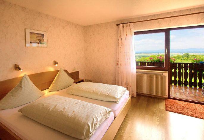 Schlafzimmer mit Balkon Fernblick